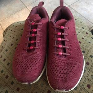 ApL shoes size 9